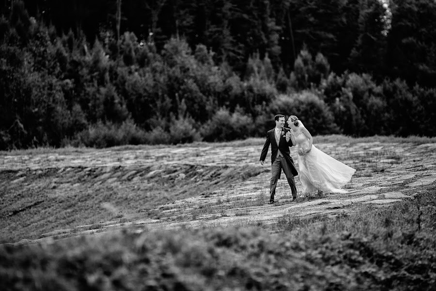Wedding photographer Marius Barbulescu (mariusbarbulesc). Photo of 14.03.2017