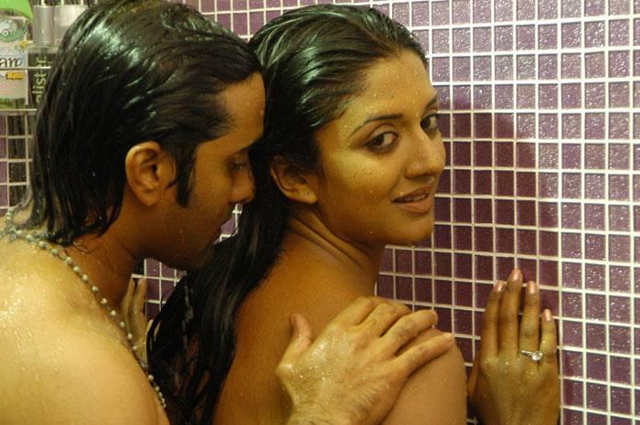 Vimala Raman sexy scene stills, Vimala Raman wallpaper