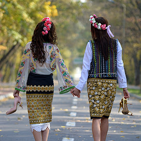 By the hand with ... beauty by Doru Sava - People Street & Candids ( girls traditions )