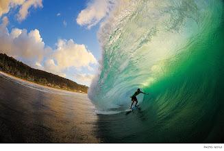 Photo: Photo of the Day: Koa Smith, Pipeline. Photo: Noyle #Surfer #SurferPhotos