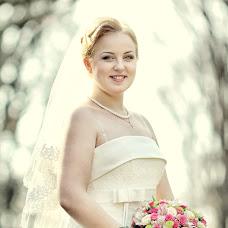 Wedding photographer Anatoliy Volokh (COMILFO77). Photo of 26.12.2013