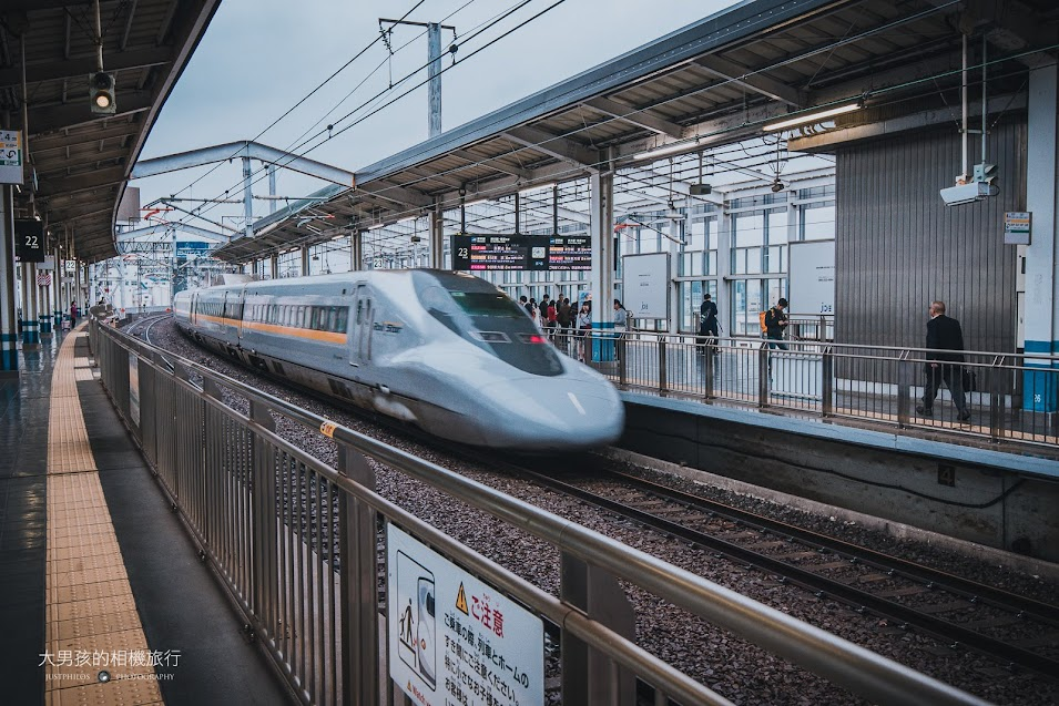 從新大阪搭乘山陽新幹線前往岡山僅需一小時的車程,相當快速。