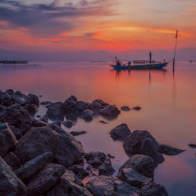 In the morning by Raden Bagus Paijo - Landscapes Sunsets & Sunrises ( silhouette, beach, sunrise, landscape, slow speed )