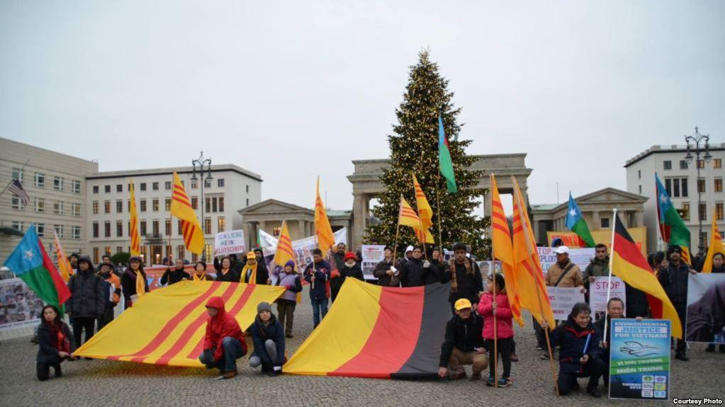 Một cuộc biểu tình của cộng đồng người Việt tại Berlin, Đức (Ảnh: lienhoinvtn.de)