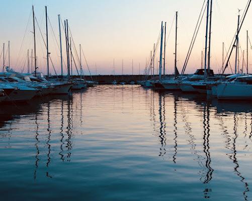 Riposo in porto di Dama