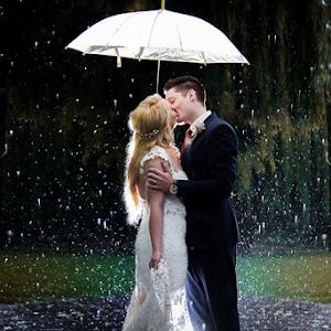 Kissing in the rain.jpg