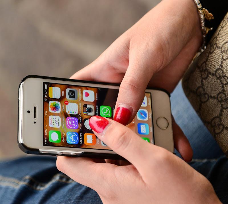 Sempre con il cellulare! di Diana Cimino Cocco
