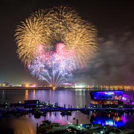 Fireworks by Mauritz Janeke - Public Holidays July 4th ( yas island, yes viceroy, uae, mauritz, fireworks, nightscape,  )