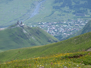 Photo: Tsminda Sameba i Kazbegi