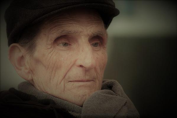 Il vecchio che cercava i ricordi di francesca_vigolo