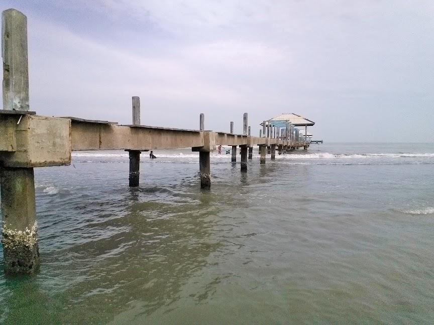 Jembatan Pelaguhan Rusak Pantai Alam Indah Tegal