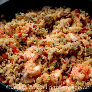 Rice with chorizo and shrimp - Arroz con chorizo y camarones