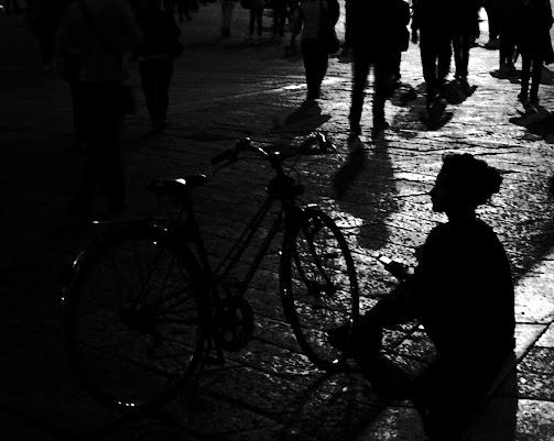 Come ombra tra le ombre di Laura Molinaro