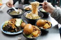 新竹美食。阿財小吃。湖口必吃美食之一,平價又美味,隱藏版鵝蛋滷肉飯超浮誇,鄰近湖口火車站。