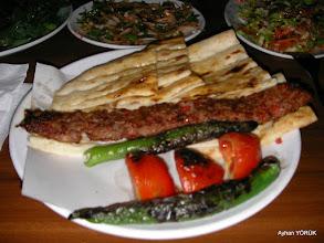 Photo: Adana'da gördüğümüz ilk kebapçıda Adana Kebap yiyoruz. 18.05.2016 Saat: 22:30 Mezopotamya (Gaziantep-Şanlıurfa-Adıyaman Nemrut Dağı)  Etkinliği. - 19-20-21-22 Mayıs 2016