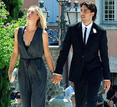 Photo: UDINE, ITALY - JULY 11:  Maria Sharapova and Sasha Vujacic attend a friend's wedding on July 11, 2010 in Udine, Italy.  (Photo by FOTO AGENCY ANTEPRIMA/FilmMagic) *** Local Caption *** Maria Sharapova;Sasha Vujacic§珆≣摯̨