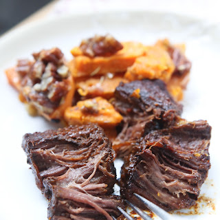 Slow Cooker Barbecue Short Ribs