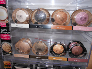 Photo: But, Amanda always has that beautiful shimmer, so we also decided to try the Milani Peaches & Cream sparkly shadow.