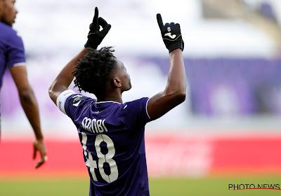 """Sambi Lokonga répond sans détour aux rumeurs d'un transfert et évoque l'Euro :""""Je pense que j'ai encore une chance"""""""