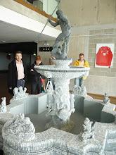Photo: Rèplica de la font de Gdansk, feta amb peces de Lego