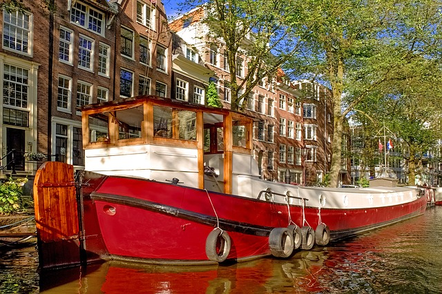 barge-2667189_640.jpg