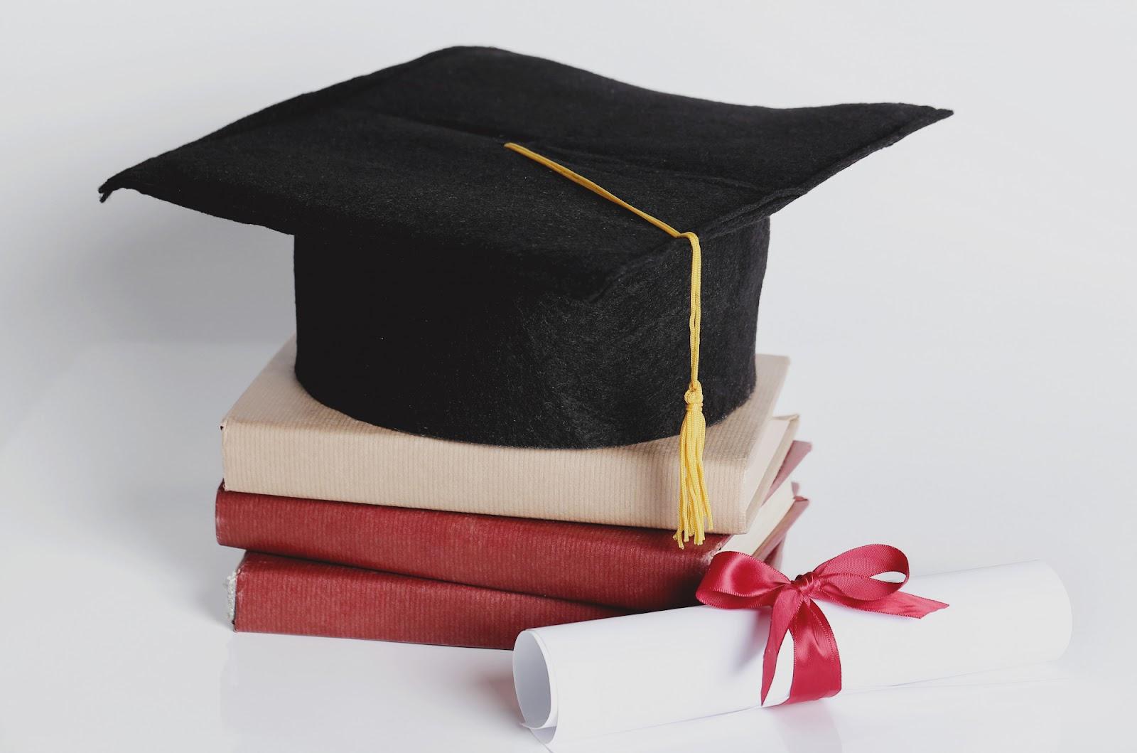Há diferentes categorias de pós-graduação: qual delas é mais adequada para você? (Imagem: Racool Studio/Freepik)