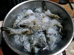 Photo: a bowl of cleaned shrimp