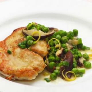Turkey Cutlets with Peas & Spring Onions.