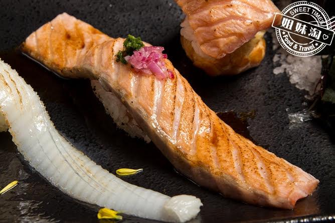 墨吉日本料理司鮭魚腹