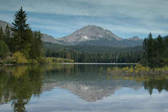 Photo: Mount Lassen lake reflection, mount lassen national park, california