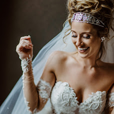 Wedding photographer Kristi Telnova (Kristitel). Photo of 20.02.2019