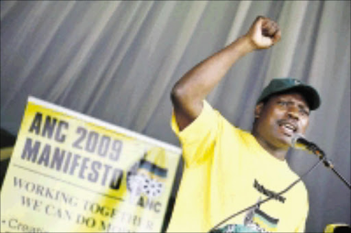 Close to 3000 ANC supporters sing praises of ANC President Jacob Zuma and cheer KZN ANC Chair and NEC member Dr.Zweli Mkhize stating the re-iterateration their total support for ANC President Jacob Zuma as thier next Presidential candidate during the KZN launch of the 2009 Election manifesto at Kwadukuza, some 72 kilometres north of Durban yesterday.Zuma will know his fate in court today ( Monday).PHOTO: RAJESH JANTILAL