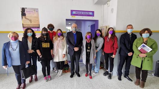 El Palmeral estrena 'Pasillo Violeta' para concienciar sobre el acoso digital