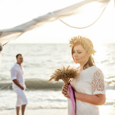 Wedding photographer Natasha Krizhenkova (Kryzhenkova). Photo of 15.12.2016