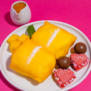 Lucky Crêpe Pockets & Shortbread Macarons (2 pcs)