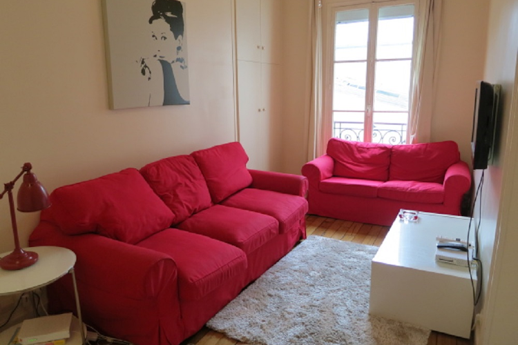 Bright living area at 1 bedroom Apartment in Saint Germain