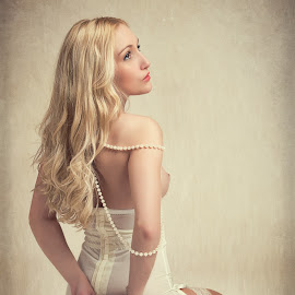 Rachelle in Peril by John McNairn - Nudes & Boudoir Artistic Nude ( colour, studio, scotland, model, nude, creative )