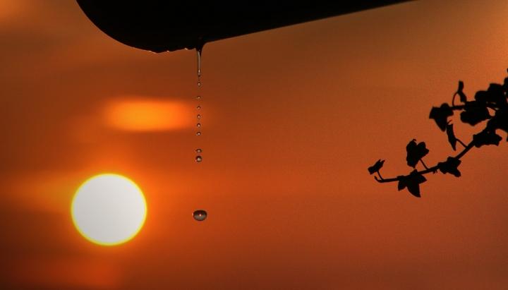 Sole acqua e vita di faro