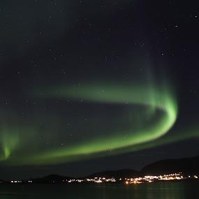Aurora U-turn by Sigbjørn Berg - Landscapes Starscapes ( winter, northern lights, aurora borealis, vesterålen, reflections, nordland, u-turn, northern norway )