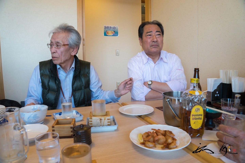 石井光昭先生と永澤二郎さん((有)丸二永光水産 代表取締役)