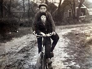 Photo: Hs. Hollander en R. Enting