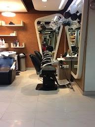 Looks Unisex Salon photo 1