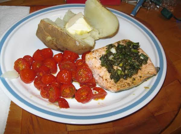 Herb Roasted Salmon And Tomatoes Recipe