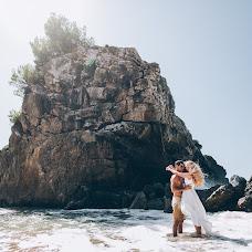Wedding photographer Zhenya Katcinis (ekatsinis). Photo of 28.10.2017