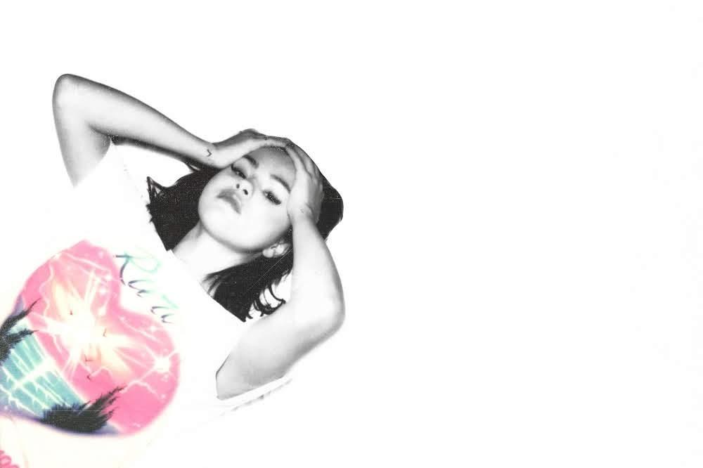 流行天后 席琳娜 Selena Gomez 走出情傷 粉絲力挺發新輯秒衝冠軍  好友泰勒絲暖心喊話:一切都沒事