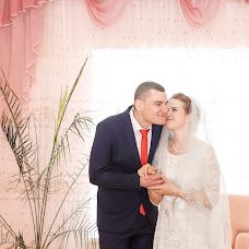 Wedding photographer Valentina Baturina (valentinalucky). Photo of 14.08.2017