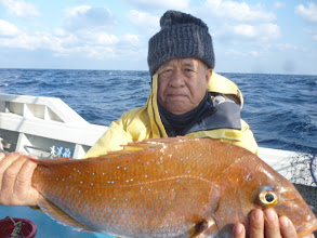 "Photo: 初乗船の""オガワさん""も3kgオーバーの真鯛ゲット!"