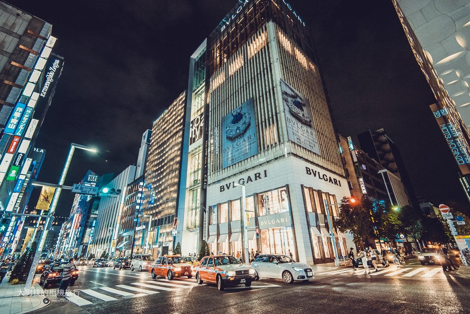在夜晚的銀座因為各大品牌招牌林立與絢麗的外牆建築,讓銀座的夜晚市景格外迷人。