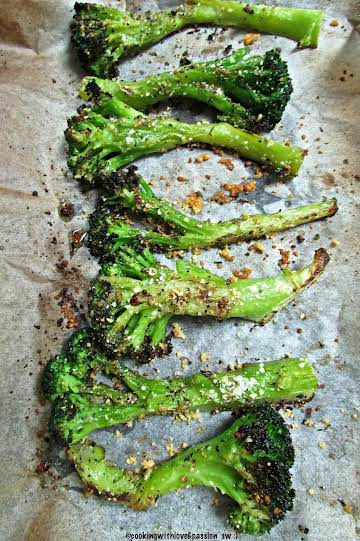Oven Roasted Broccoli Spears