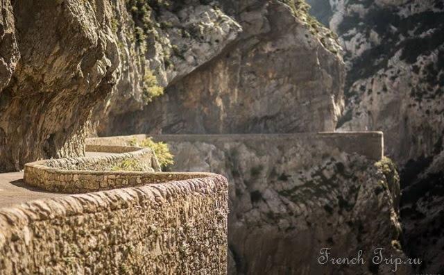 Gorges de Galamus - ущелье Галамус, Лангедок-Русильон, Франция - фотографии, описания, карта, достопримечательности, как добраться, путеводитель по Франции